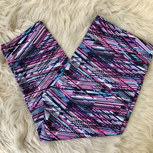 Fabletics Multicolor Capri Leggings. XXL